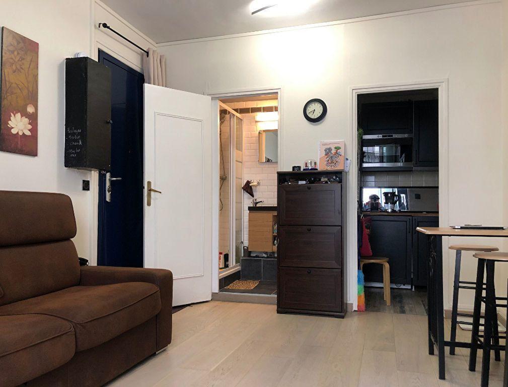 Appartement à vendre 1 20.02m2 à Paris 7 vignette-1