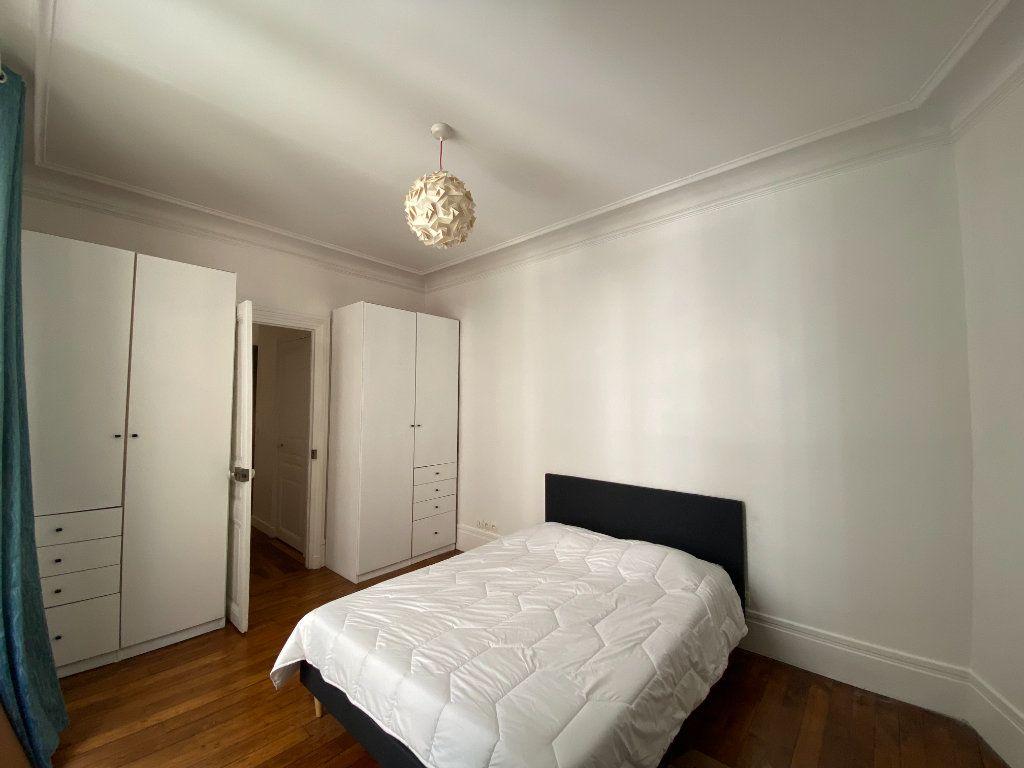 Appartement à louer 3 61.19m2 à Paris 7 vignette-5