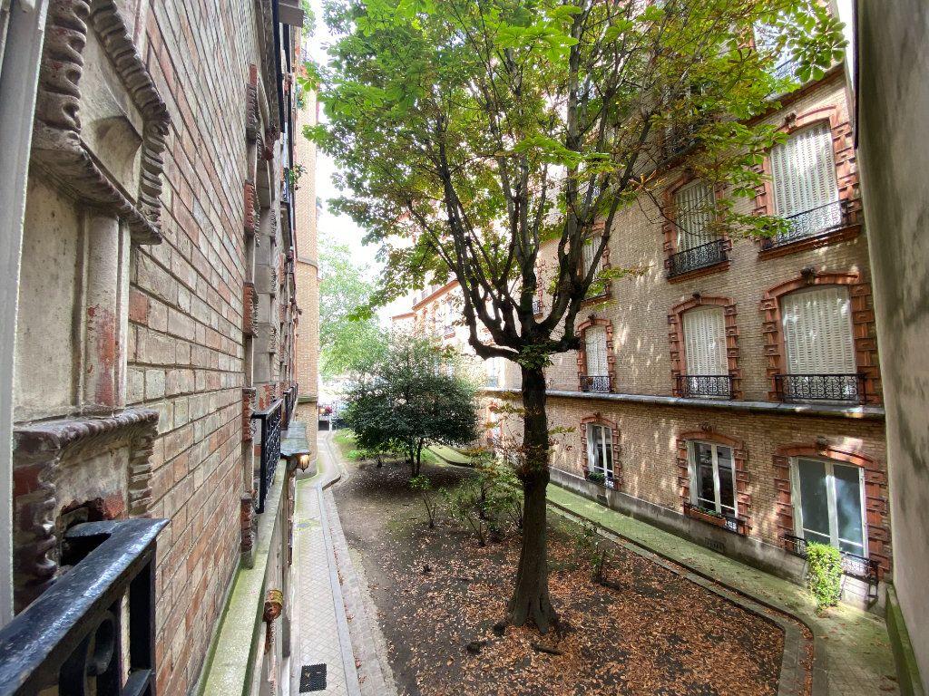 Appartement à louer 3 61.19m2 à Paris 7 vignette-9