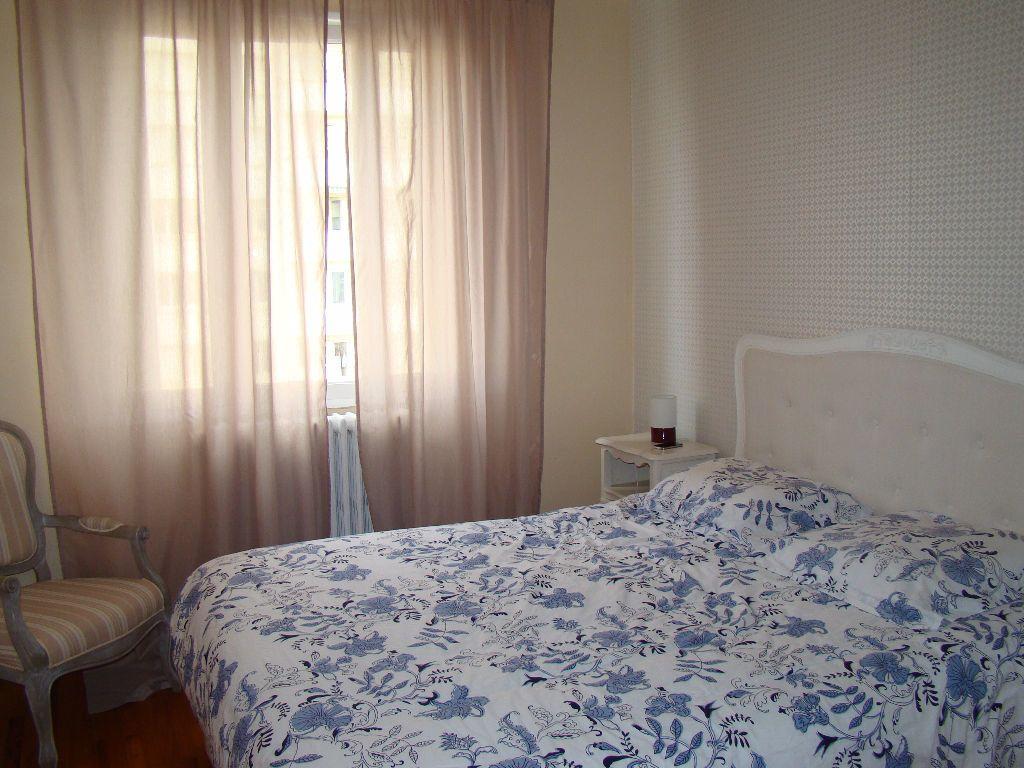 Appartement à louer 3 76.26m2 à Lyon 3 vignette-4
