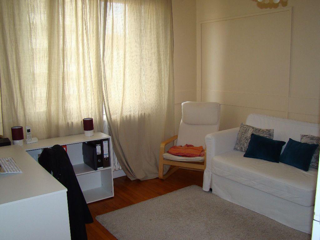 Appartement à louer 3 76.26m2 à Lyon 3 vignette-5