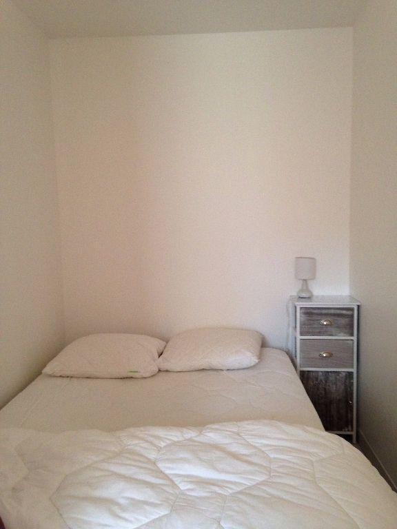 Appartement à louer 1 34.22m2 à Villeurbanne vignette-3