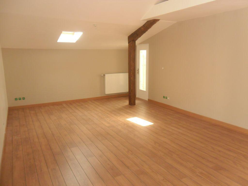 Appartement à louer 3 81.94m2 à Lyon 3 vignette-3