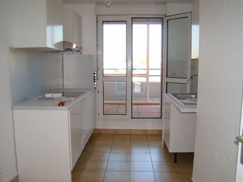 Appartement à louer 5 117.79m2 à Villeurbanne vignette-3