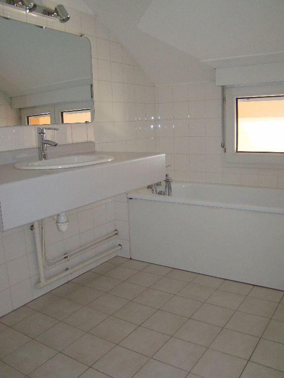 Appartement à louer 5 117.79m2 à Villeurbanne vignette-7