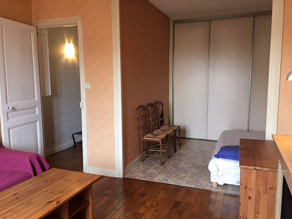 Appartement à louer 1 41.47m2 à Villeurbanne vignette-3