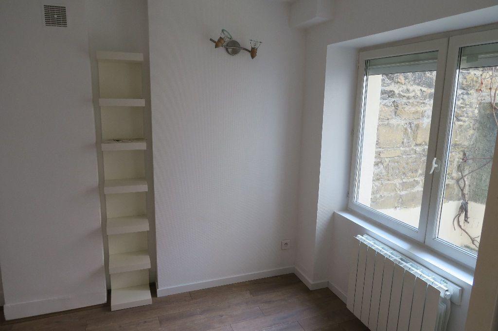 Appartement à louer 1 18.27m2 à Villeurbanne vignette-1