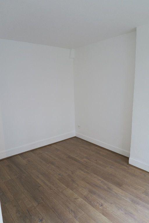 Appartement à louer 1 18.27m2 à Villeurbanne vignette-2