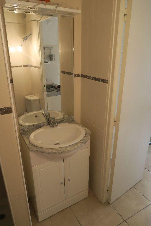 Appartement à louer 1 18.27m2 à Villeurbanne vignette-4