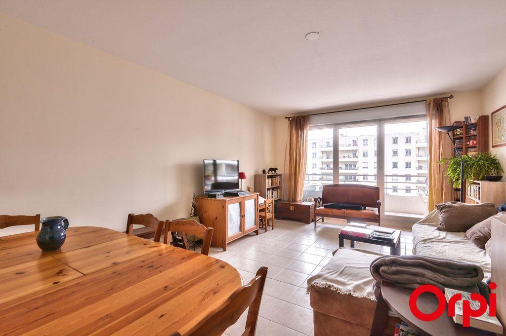 Appartement à vendre 4 81.32m2 à Villeurbanne vignette-1