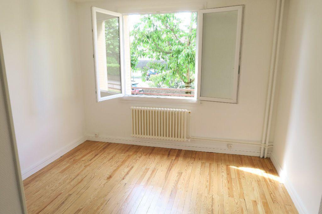 Appartement à louer 3 60m2 à Villeurbanne vignette-8