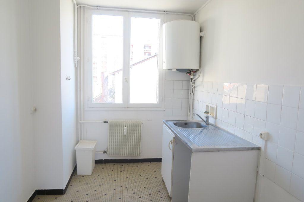 Appartement à louer 3 65.41m2 à Villeurbanne vignette-6