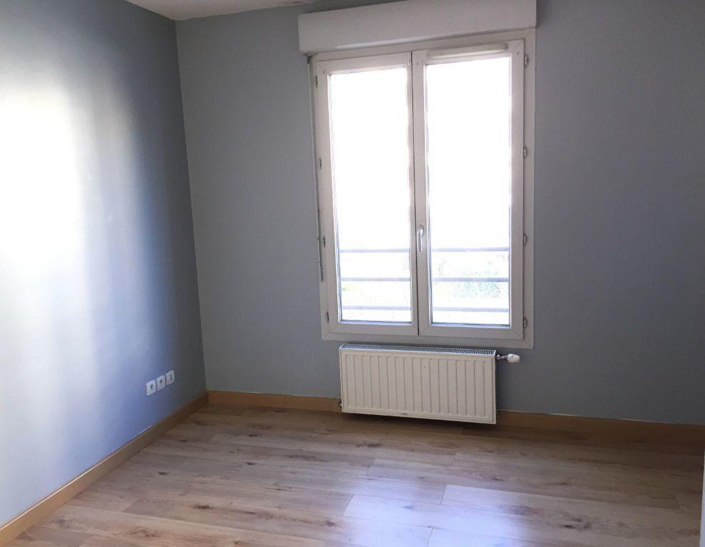 Appartement à louer 4 75.43m2 à Lyon 3 vignette-5