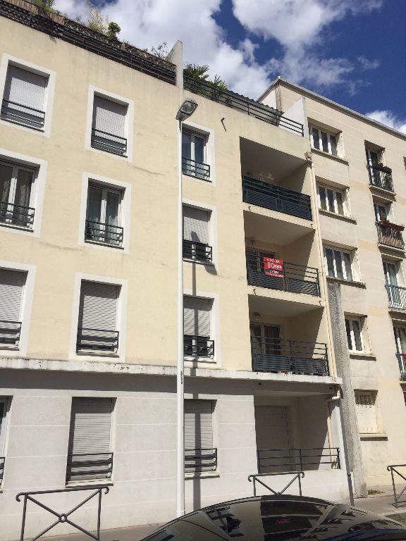 Appartement à louer 4 75.43m2 à Lyon 3 vignette-13