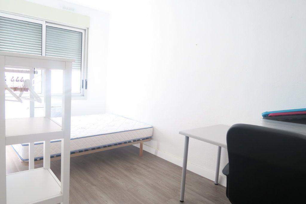 Appartement à louer 3 61.18m2 à Lyon 6 vignette-4