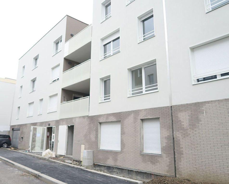 Stationnement à louer 0 12m2 à Villeurbanne vignette-2
