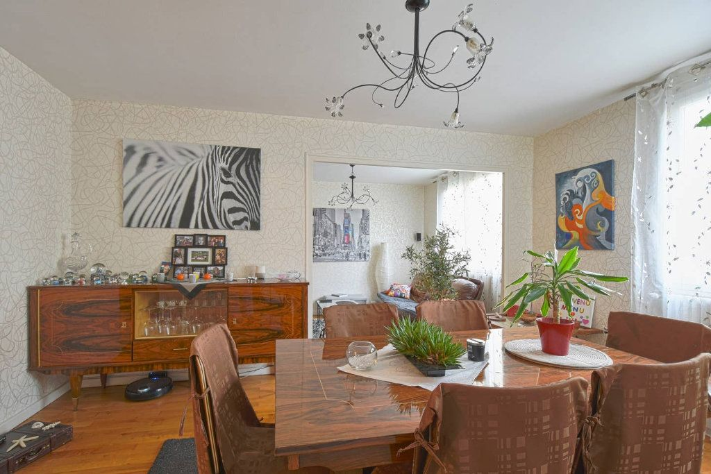 Appartement à louer 4 77.41m2 à Villeurbanne vignette-5
