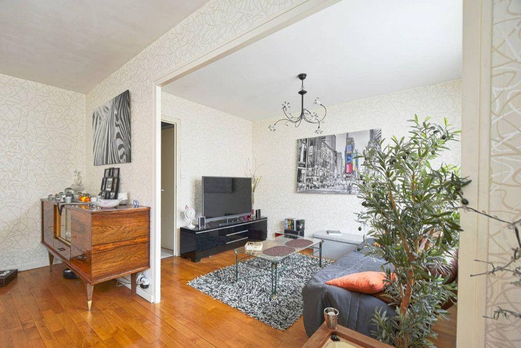 Appartement à louer 4 77.41m2 à Villeurbanne vignette-6