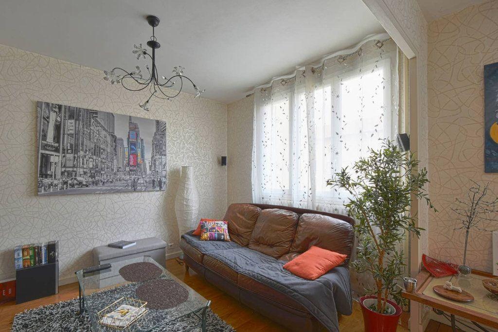Appartement à louer 4 77.41m2 à Villeurbanne vignette-8