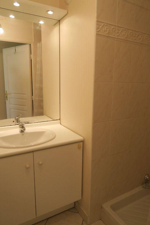 Appartement à louer 5 104.37m2 à Villeurbanne vignette-11