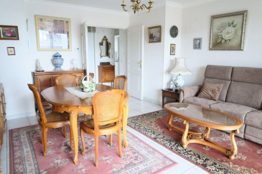 Appartement à vendre 3 70.73m2 à Villeurbanne vignette-3