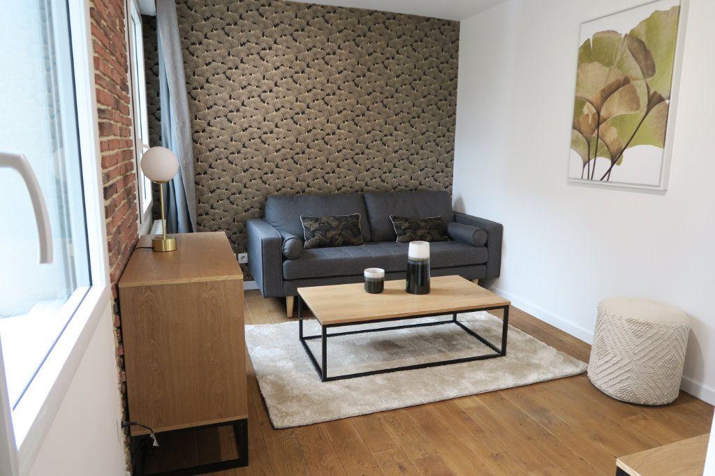 Appartement à vendre 2 43.72m2 à Lyon 3 vignette-1