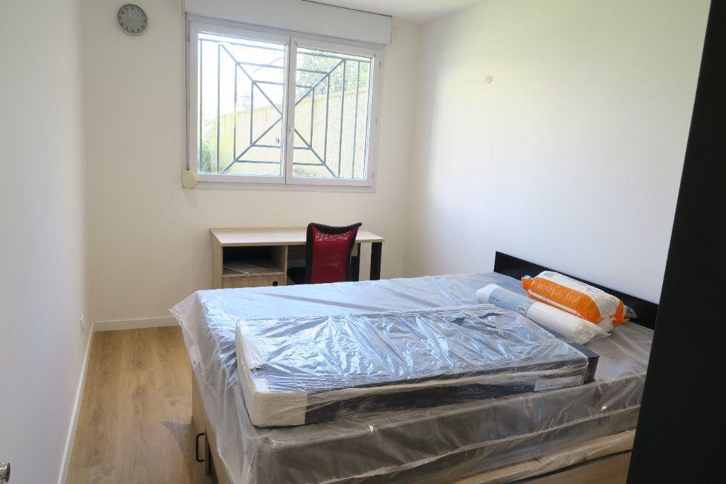 Appartement à louer 4 82.02m2 à Villeurbanne vignette-4