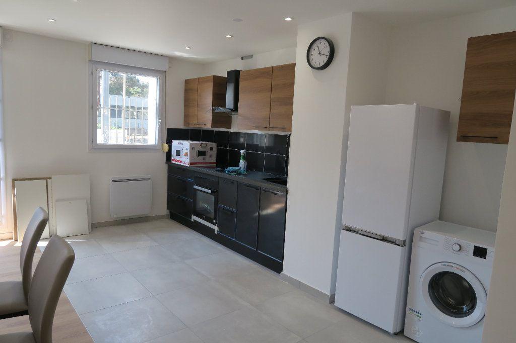 Appartement à louer 4 82.02m2 à Villeurbanne vignette-8
