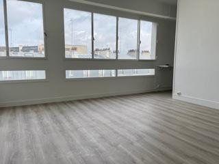 Appartement à louer 1 30m2 à Paris 18 vignette-3