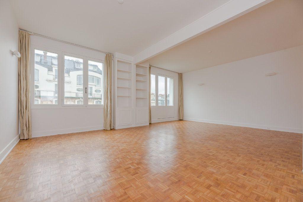 Appartement à louer 4 85m2 à Paris 16 vignette-3