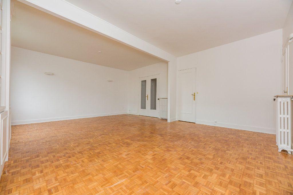 Appartement à louer 4 85m2 à Paris 16 vignette-5