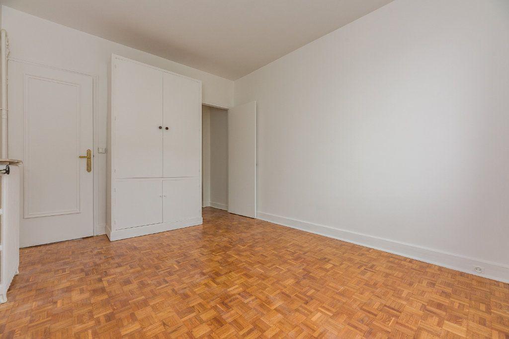 Appartement à louer 4 85m2 à Paris 16 vignette-7
