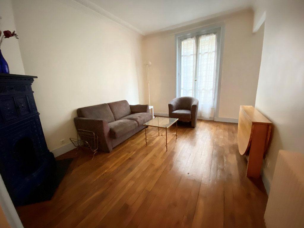 Appartement à louer 2 42m2 à Paris 16 vignette-3