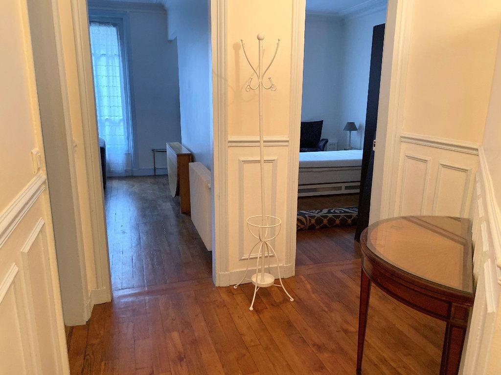 Appartement à louer 2 42m2 à Paris 16 vignette-5