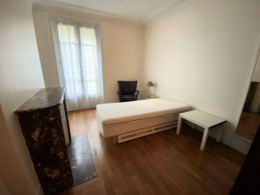 Appartement à louer 2 42m2 à Paris 16 vignette-7