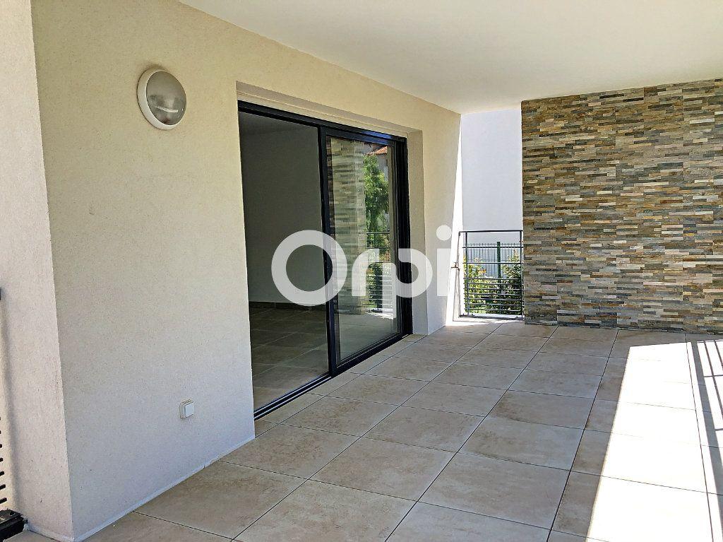 Appartement à vendre 4 85.53m2 à Saint-Raphaël vignette-2