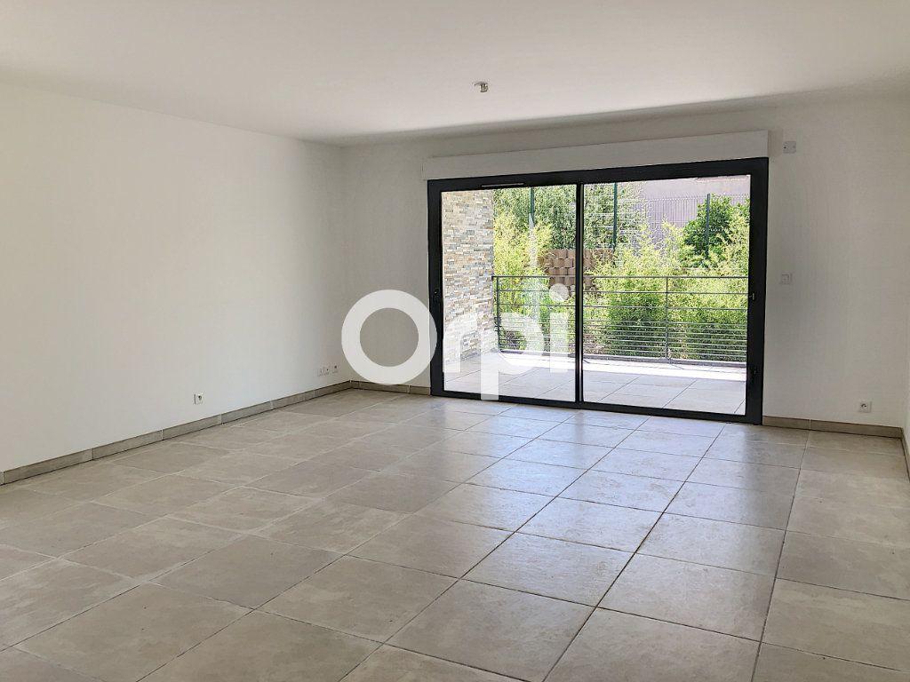 Appartement à vendre 4 85.53m2 à Saint-Raphaël vignette-4