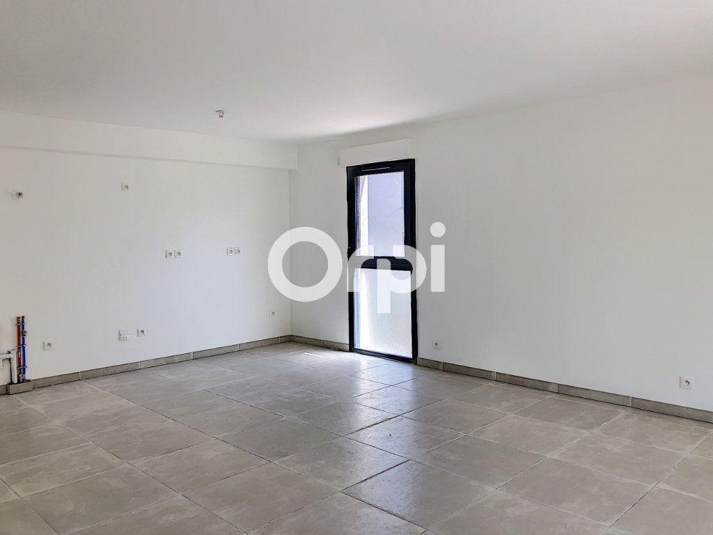 Appartement à vendre 4 85.53m2 à Saint-Raphaël vignette-5