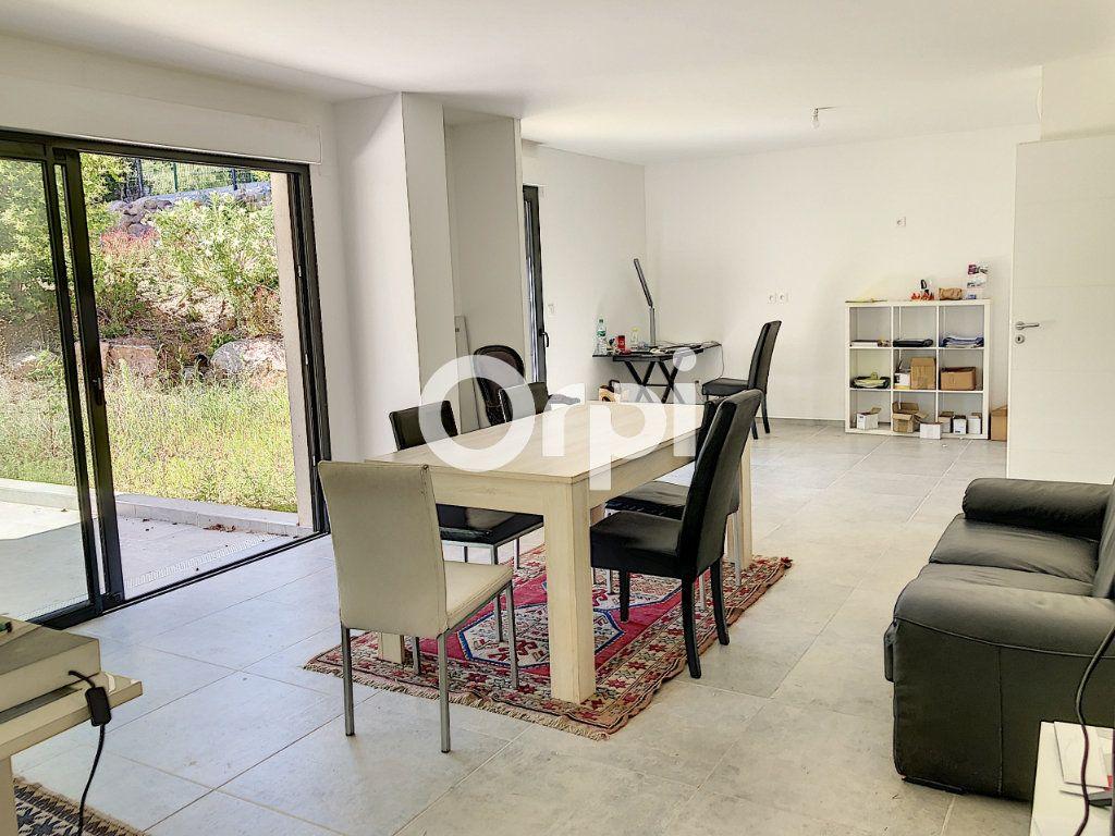 Appartement à vendre 4 107.82m2 à Saint-Raphaël vignette-6