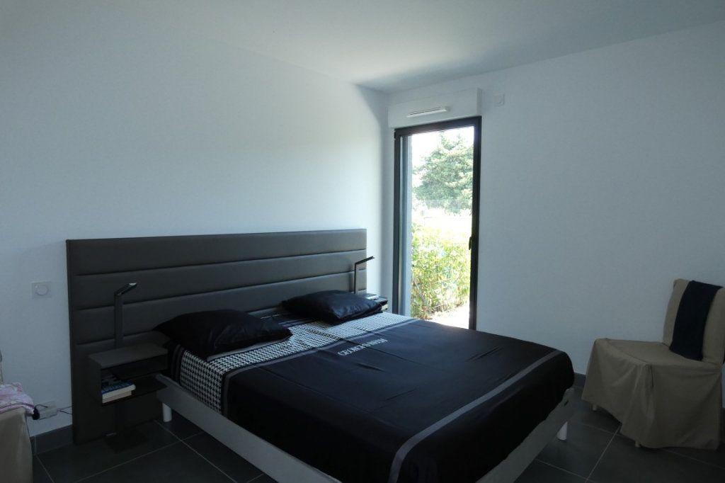 Appartement à louer 2 45.68m2 à Saint-Raphaël vignette-5