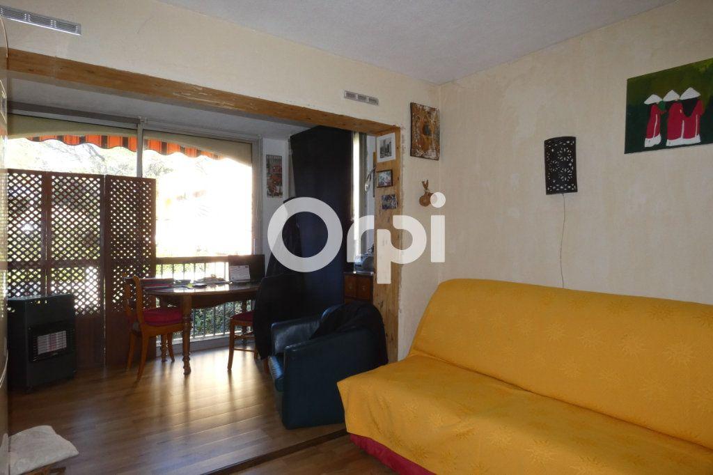 Appartement à vendre 1 24m2 à Saint-Raphaël vignette-2