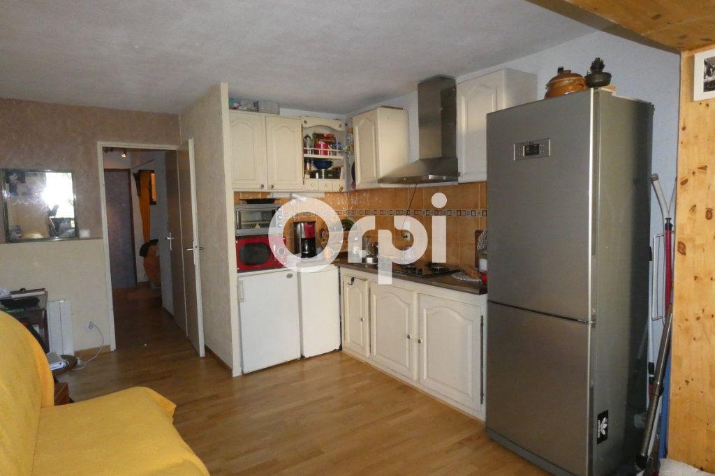 Appartement à vendre 1 24m2 à Saint-Raphaël vignette-4