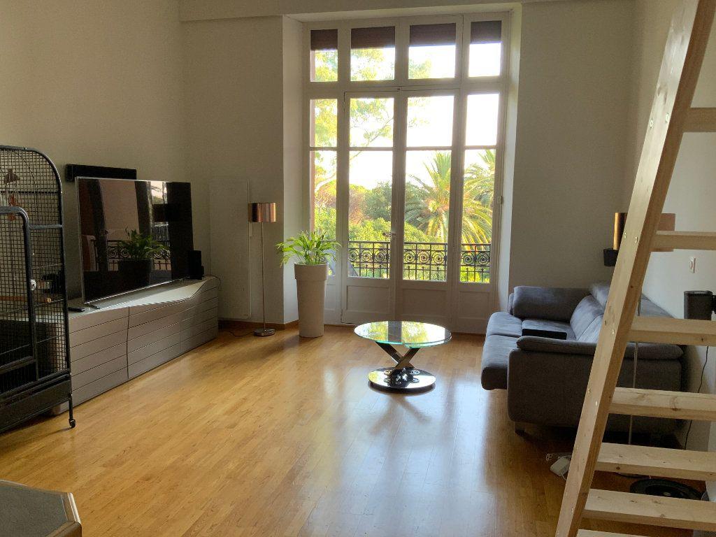 Appartement à vendre 3 84.1m2 à Saint-Raphaël vignette-4