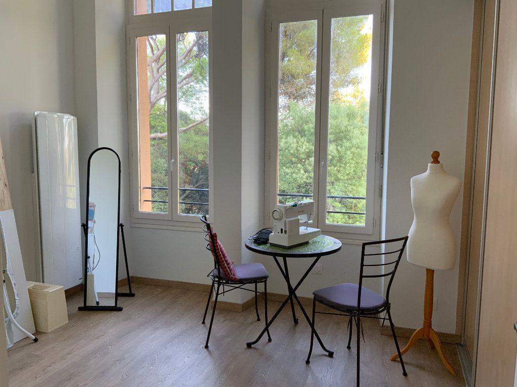 Appartement à vendre 3 84.1m2 à Saint-Raphaël vignette-9