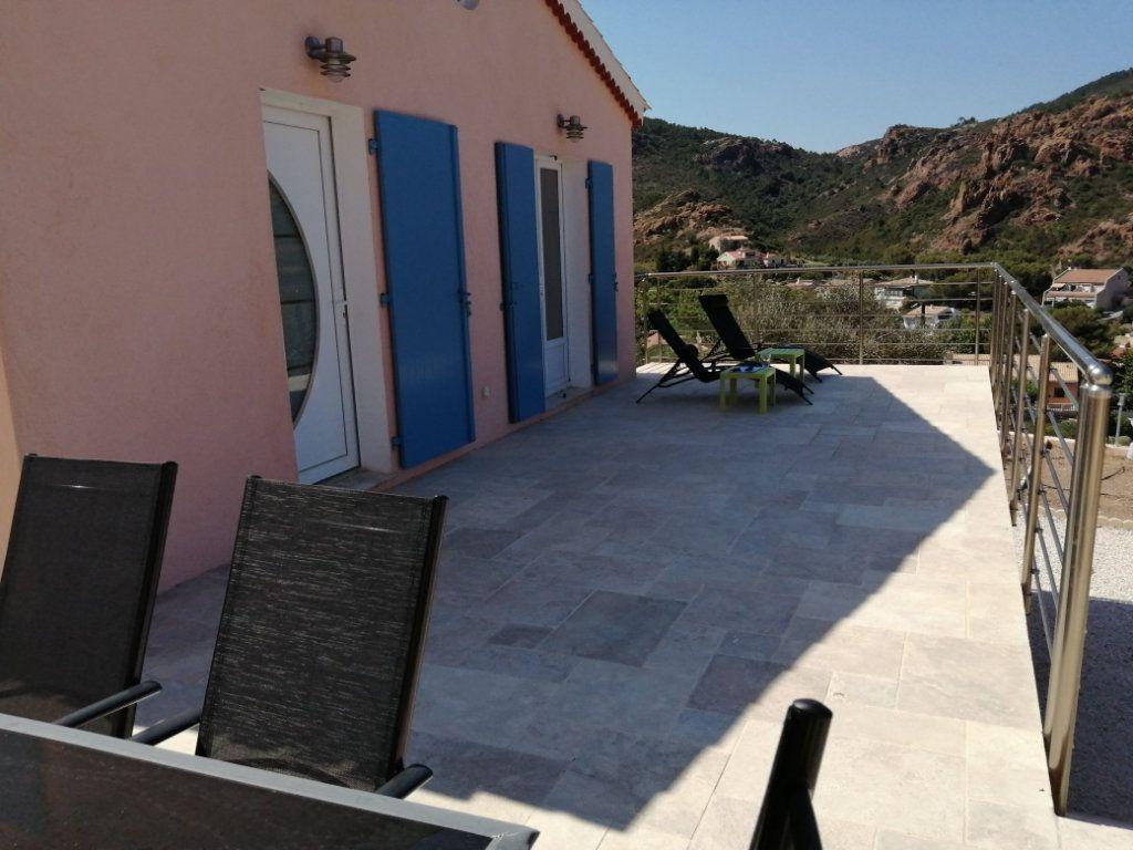 Maison à vendre 3 60m2 à Saint-Raphaël vignette-3