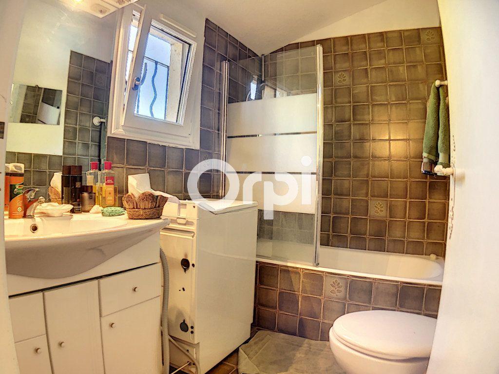 Appartement à vendre 2 51m2 à Saint-Raphaël vignette-6