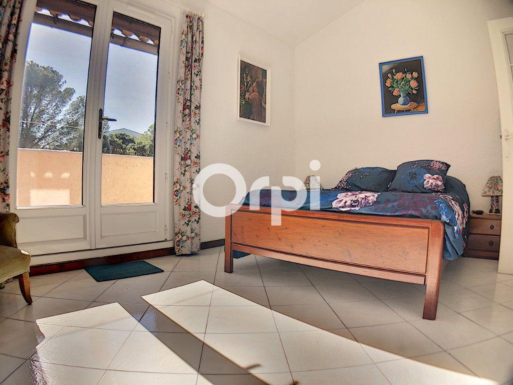 Appartement à vendre 2 51m2 à Saint-Raphaël vignette-7