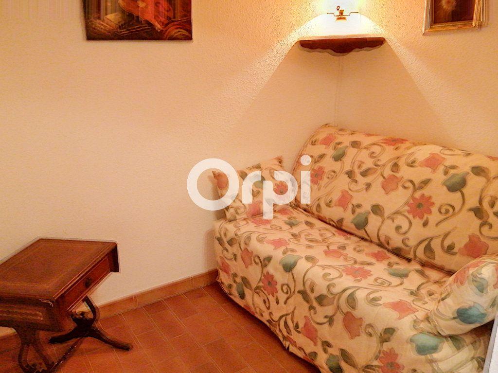 Appartement à vendre 1 24m2 à Saint-Raphaël vignette-5