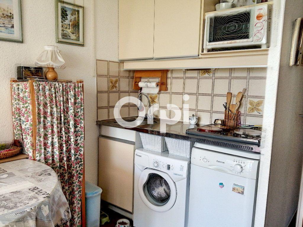 Appartement à vendre 1 24m2 à Saint-Raphaël vignette-8