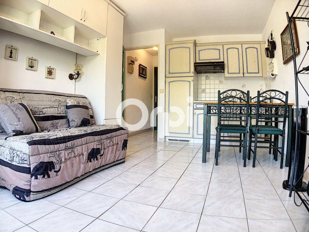Appartement à vendre 1 19m2 à Saint-Raphaël vignette-3